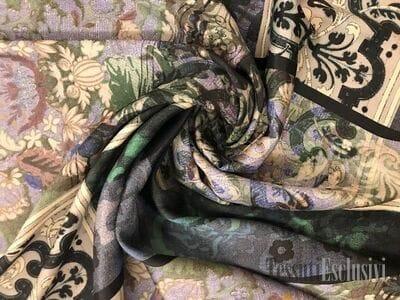 Шёлк в зеленой гамме в стиле Hermes