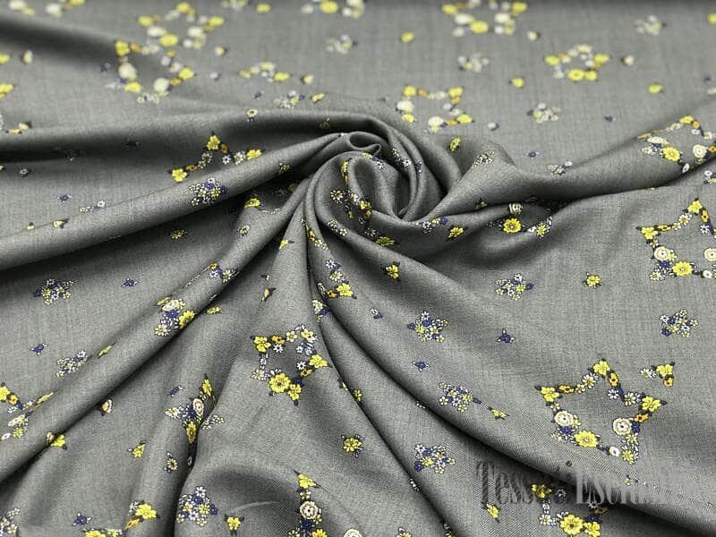 Вискоза плательная серая с цветами в виде звездочек