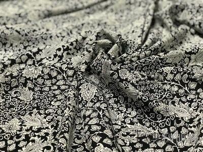 Шелк черно-белый
