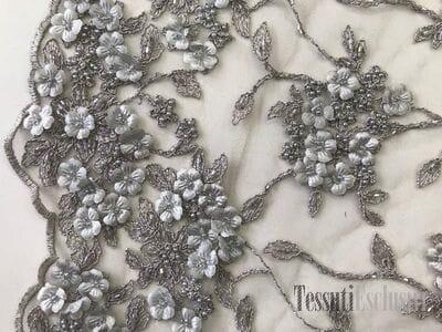 Сетка  3D серая с вышивкой жемчугом и цветами