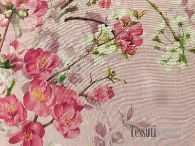 Шелк-креп цветы на  розовом